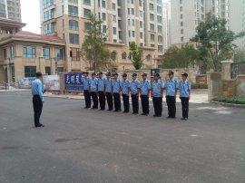 公司保安夏装列队